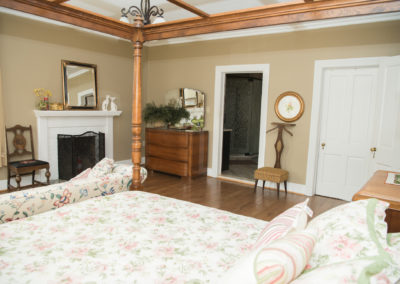 Guest room at Blue HIll Farm